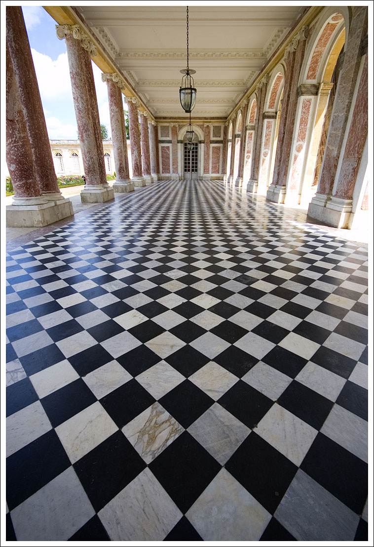 Versailles Checkers